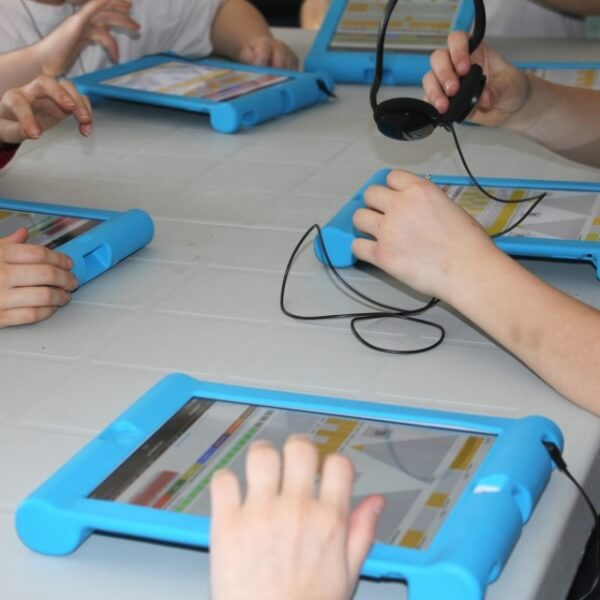 Young people using the FonoFone app